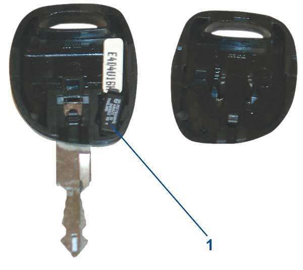 کلید باز شده به همراه چیپ